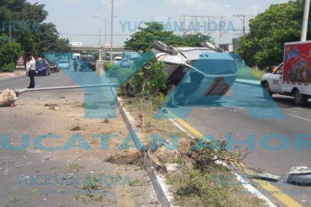 Huye tras dejar un 'tiradero' en la avenida Quetzalcóatl