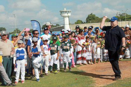 Cantan el 'pleybol' en la Liga Meridana de Béisbol Infantil y Juvenil