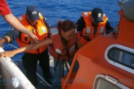 Dos adultos y 2 niños quedan a la deriva en un yate a 24 millas de Progreso