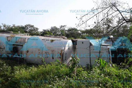 Abandona carro-tanque accidentado en la carretera Mérida – Valladolid