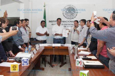 Unos 96,463 votos le dan la victoria a Juan José Canul en el V distrito