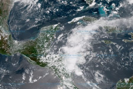 Dos ondas tropicales traerán lluvias vespertinas pero con mucho bochorno