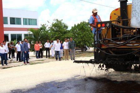Construyen calles para la seguridad vehicular y peatonal de varias colonias