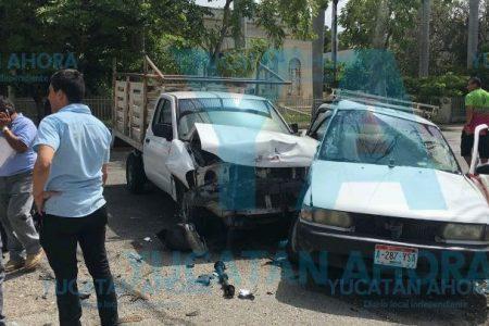 Veterano taxista no vio un alto e hizo un desastre en la avenida Colón