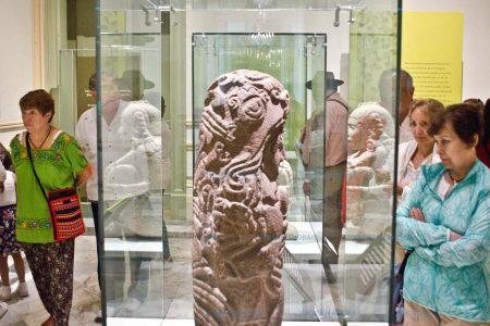 """Presenta Museo Palacio Cantón el catálogo """"La Flor en la Cultura Mexicana"""""""