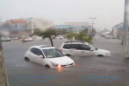 En el poniente de Mérida se registra lo más fuerte de la lluvia