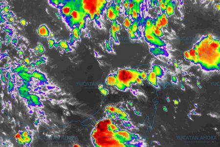 Onda tropical y humedad dejarán lluvias vespertinas el resto de la semana