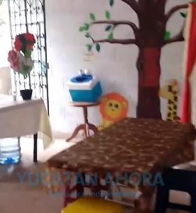 Movió a su pueblo: Joven yucateca abre biblioteca comunitaria en su casa