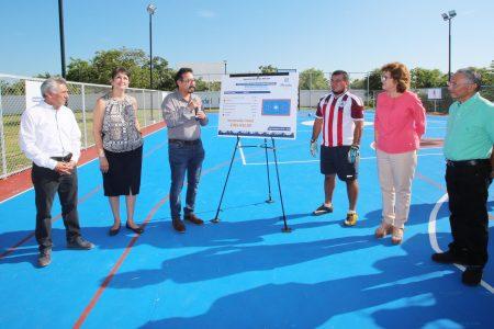 Construyen otra cancha de futbolito en Ciudad Caucel, la primera ya 'rebosaba'