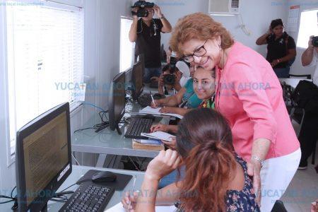 Inauguran aula móvil en el Centro Cultural del Sur