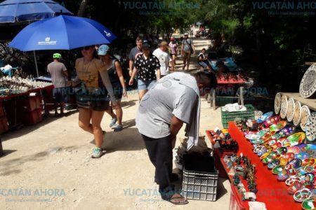 Reconocen que Chichén Itzá tiene exceso de vendedores