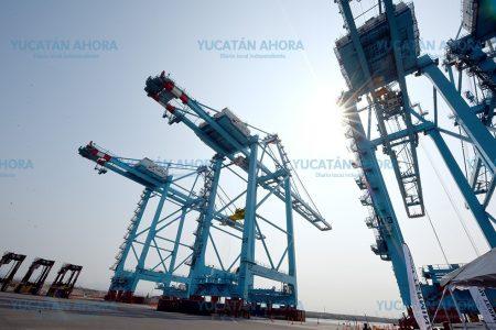 Puerto Progreso crece un 30 por ciento anual en manejo de contenedores y carga