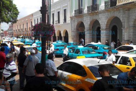 Exigen taxistas poner en orden a plataformas ilegales