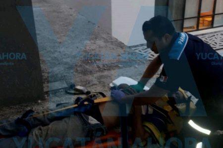 Trabajador cae del cuarto piso de un centro comercial en construcción
