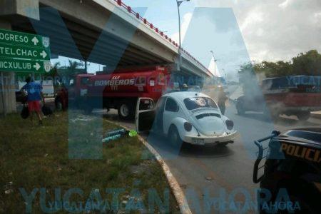 Se incendia su escarabajo en la entrada de Progreso