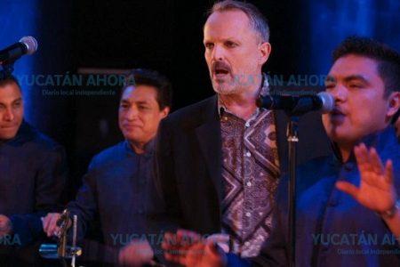 Los Ángeles Azules y Miguel Bosé estrenan video grabado en el Peón Contreras