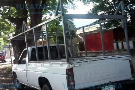 Denuncian a exhibicionista que anda en camioneta blanca, cerca de la Canaco