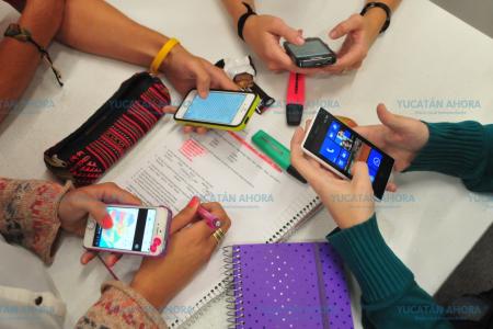 Uso excesivo de teléfonos celulares genera yucatecos 'desmemoriados'