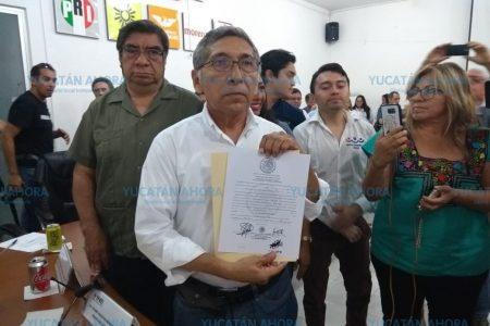 En ausencia por enfermedad, entregan constancia de mayoría a diputado de Morena