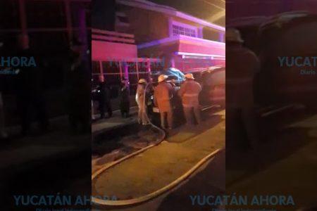 Se quema maderería en la carretera Mérida-Umán