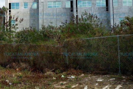 Multan al Gobierno de Yucatán por no terminar el hospital de Ticul