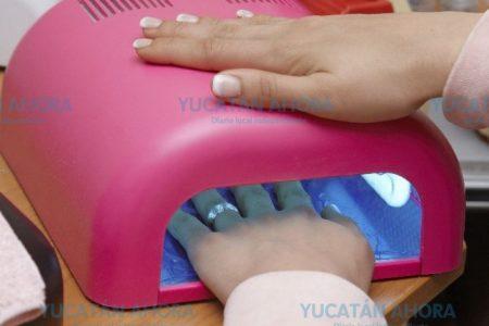 Abusar de las uñas gelish puede causar cáncer de piel, alerta el IMSS