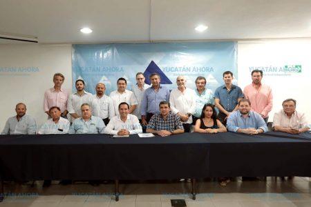 Mauricio Vila se reúne con socios de la Canaco Mérida