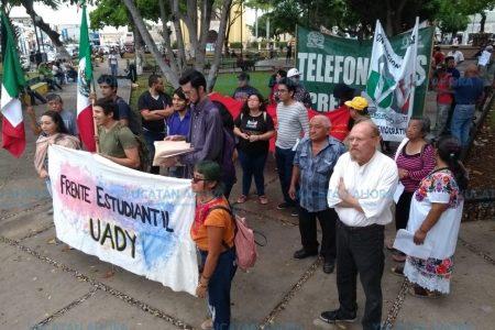 Marchan y entregan propuestas para mejorar el transporte en Mérida