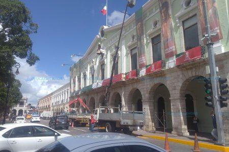 Preparan escenarios en el Centro Histórico de Mérida para las Fiestas Patrias