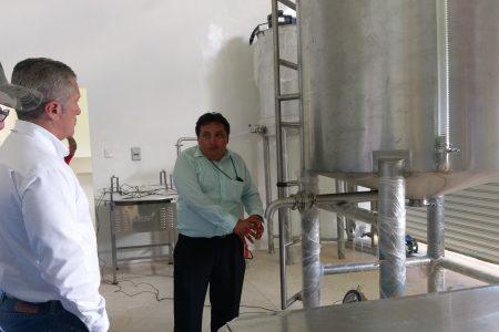 Apicultores apoyan con dinero para instalar centro de acopio y envasado de miel