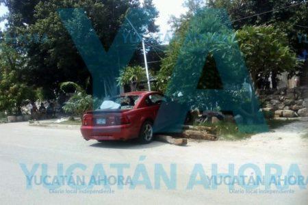 Mecánico en líos: choca Mustang de un cliente por conducir a exceso de velocidad