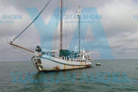 Auxilian a velero extranjero en costas de Progreso