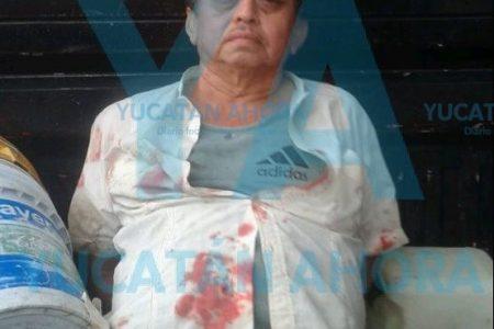 Borracho le arruina el paseo a un joven de Umán: le estrella un vaso en el cuello