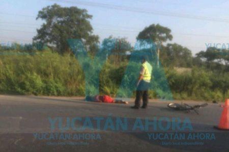 Combi de pasajeros atropella y mata a un ciclista en el Periférico