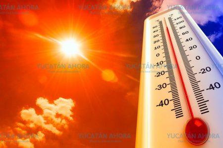 Intenso calor manda a dos personas al hospital