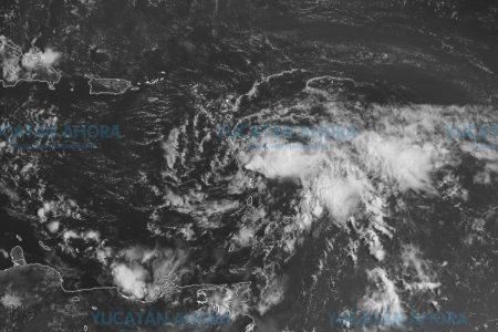 Un disminuido Isaac entra al Caribe y se espera que se debilite más