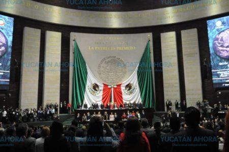 Rinden minuto de silencio en San Lázaro en homenaje luctuoso a Roger Aguilar