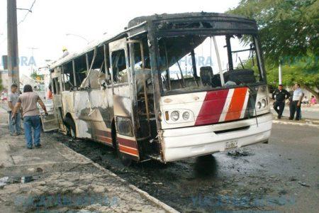 'El negocio está agonizando', dicen empresarios del transporte urbano en Mérida
