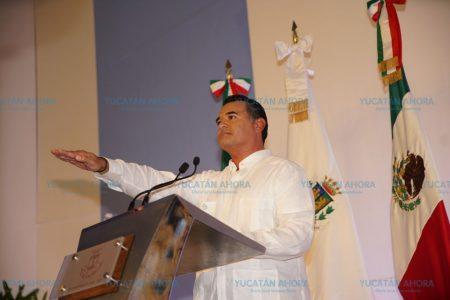 Ofrece Renán Barrera una ciudad creativa, innovadora y con desarrollo igualitario