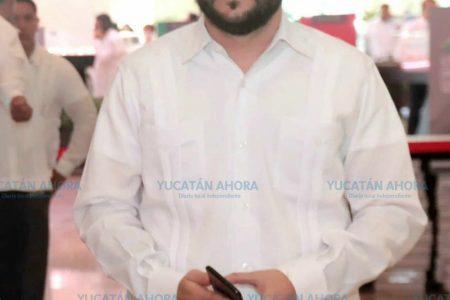 Alvaro Juanes, representante de Mauricio Vila en reunión del Tren Maya