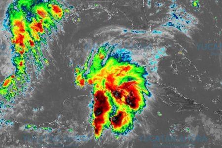 Se fortalece baja presión en el Canal de Yucatán: ya 'pellizca' el Golfo de México