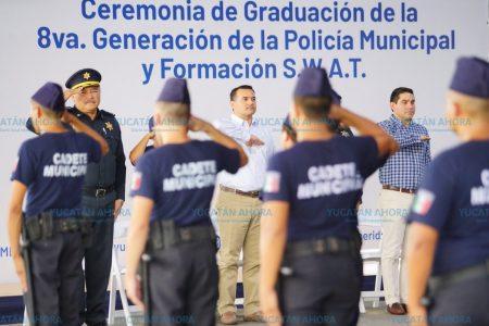 Policías de Mérida demuestran las técnicas swat aprendidas en Miami