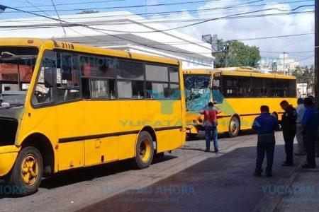Camionazo en el centro de Mérida deja lesionados a seis pasajeros