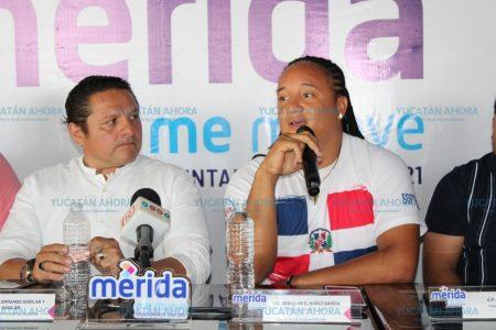 La dominicana Geovanny Núñez capacita a softbolistas yucatecas