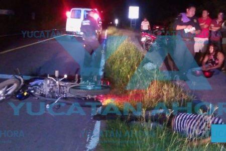 Motociclista borracho choca en carretera a mujer que iba en otra moto