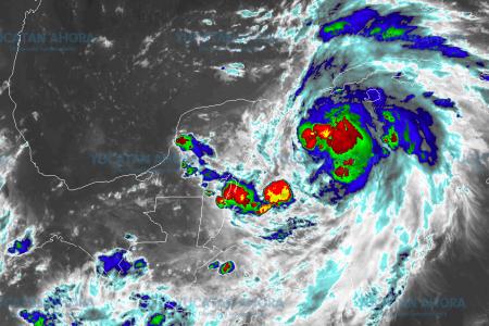 De seguir su fortalecimiento para el lunes 'Michael' sería huracán categoría 1