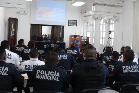 Refuerzan conocimientos sobre derechos humanos a policías de Mérida