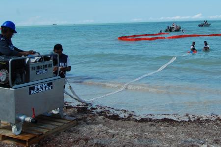 Capacitan ante posibilidad de derrame petrolero en Yucatán