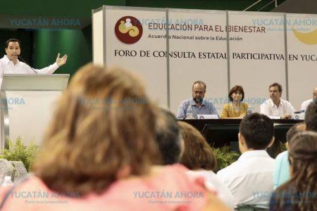 Mauricio Vila ofrece trato digno a los maestros de Yucatán