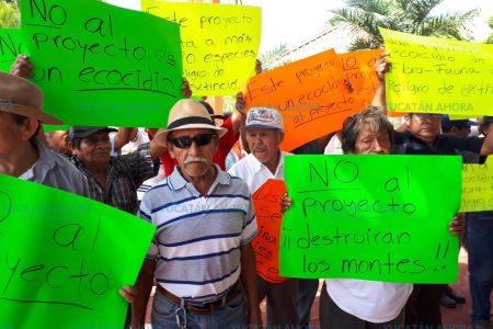 Campesinos mayas quieren fuera de sus montes a empresarios españoles